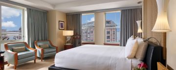 Premier King Waterview Guestrooms